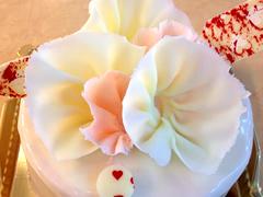 WhiteDAY限定のデコレーションケーキ